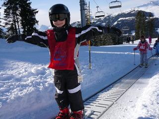 Classe de neige arvel   les gets   2009    enfants ile de la reunion   ski avec esf %282%29